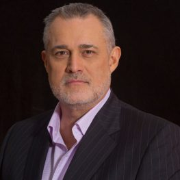 jeffrey-hayzlett-headshot-2015-high-res